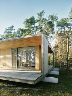 Image 10 of 24 from gallery of Sommarhus Akenine / Johan Sundberg. Photograph by Peo Olsson Residential Architecture, Architecture Design, Exterior Design, Interior And Exterior, Exterior Doors, Scandinavian Architecture, Future House, Bungalow, House Design