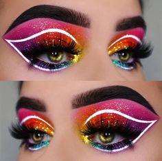 Tangy Cute Makeup Brushes - Damen Make-up, Lippen und Nails Colorful Eye Makeup, Blue Eye Makeup, Eye Makeup Tips, Glitter Makeup, Glitter Eyeshadow, Eyeshadow Looks, Eyeshadow Makeup, Makeup Brushes, Eyeliner