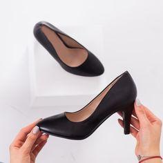 Pantofi cu toc dama negri Nalisa Casual, Shoes, Fashion, Moda, Zapatos, Shoes Outlet, Fashion Styles, Fasion, Footwear