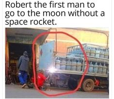 In your face neil armstrong Ingenieur Humor, Best Funny Pictures, Cool Pictures, Funny Jokes, Hilarious, Space Rocket, Morning Humor, After Dark, Haha