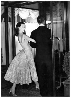 The very famous model, Dovima in fashion by Jean Patou at Maxim's, Paris- 1955.        Photography by Richard Avedon