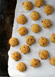 The Urban Poser:: Egg & Nut Free Pumpkin Spice Coconut Macaroons (grain free)