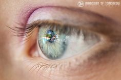 It is often said that beauty is in the eyes of the beholder. Australia-based photographer Peter Adams-Shawn has made a name for himself by capturing the reflections in wedding guests' eyes. He took his first eyescape in 2011, and has been taking them consistently since 2014.