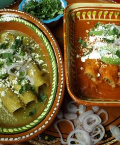 Tacos en Salsa (Green and Red)