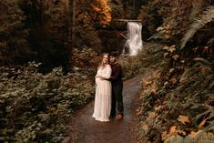 These Oregon maternity photos at Silver Falls will give you all the dreamy inspiration for your own maternity session! Alyssa and Kelii were the sweetest!   I'm Monique, an Oregon family photographer & Oregon maternity photographer, and I'd love to photograph your next family photos!! Fall Maternity Photos, Maternity Photo Outfits, Maternity Session, Pregnancy Photos, Maternity Dresses, Maternity Photographer, Family Photographer, Silver Falls, Anniversary Photos