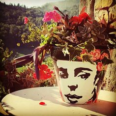 Frida pot handmade