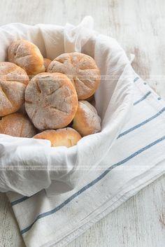 Bułeczki pszenne Camembert Cheese, Gluten Free, Bread, Recipes, Articles, Food, Glutenfree, Brot, Essen