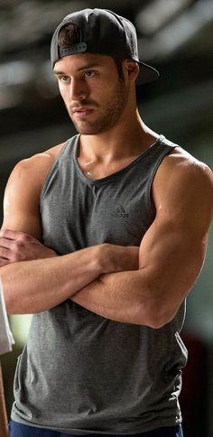 Adorable muscle dudes having sex