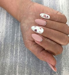 Nails Design: Night Entertainment for 42 Festive and Bright Nail Art Ideas For New 2019 - Page 37 of 42 - eeasyknitting. Cute Acrylic Nails, Cute Nails, Pretty Nails, Hair And Nails, My Nails, Bright Nail Art, Floral Nail Art, Manicure E Pedicure, Pedicure Ideas