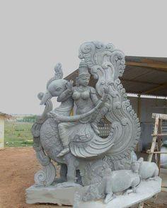 Saraswathi Saraswati Goddess, Goddess Art, Durga, Lord Ganesha Paintings, Ganesha Art, Buddha Sculpture, Horse Sculpture, Indian Art Paintings, Cross Paintings