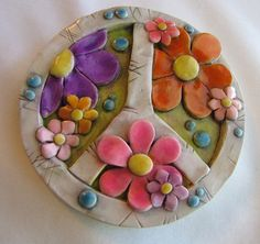 Beautiful Findings by Deby Sier on Etsy Hippie Peace, Happy Hippie, Hippie Art, Hippie Style, Hippie Boho, Clay Flowers, Flowers Nature, Paper Flowers, Hippie Flower Tattoos