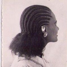 Via @mejemeriafikri Photo Instagram, Afro Hairstyles, Photos, Crochet Hats, Dreadlocks, Hair Styles, Beauty, Black, Fashion