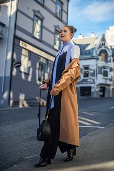 camel coat how to style scandinavian style fashion blogger