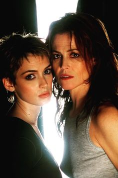 Winona Ryder and Sigourney Weaver Winona Forever, Aliens Movie, Aesthetic People, Portraits, Actrices Hollywood, Winona Ryder, Metal Girl, Film Movie, Old Hollywood