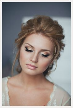 Pretty Blonde Girl for Classical Wedding Makeup