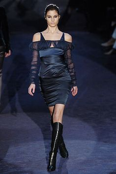 Gucci Fall 2005 RTW - Runway Photos - Fashion Week - Runway, Fashion Shows and Collections - Vogue