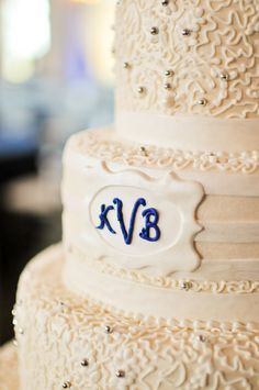 Beautiful cake by Mark Lotti of Classic Cheesecakes and Cakes.  Photo Courtesy of Angela Wright Photography.