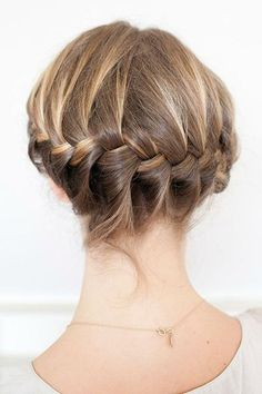 15 Seriously Cool Summer Hair Ideas - braided crown | Daily Makeover