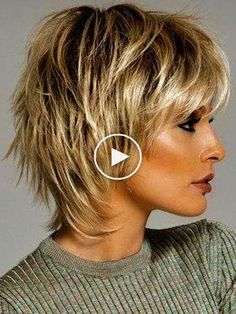 30 Korte, gelaagde kapsels 30 Korte, gelaa… - Beauty is Art Short Shag Hairstyles, Shaggy Haircuts, Short Layered Haircuts, Hairstyle Short, Medium Layered Hairstyles, Hairstyles For Long Faces, Shaggy Short Hair, Popular Short Hairstyles, Short Wavy
