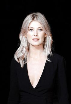 Genneya Walton is an actress, known for Project MC² Extant and Isabelle Dances Into the Spotlight Rosamund Pike, Blond, Bond Girls, Actrices Hollywood, British Actresses, Beauty Full Girl, Female Images, Beautiful Actresses, Beautiful Women