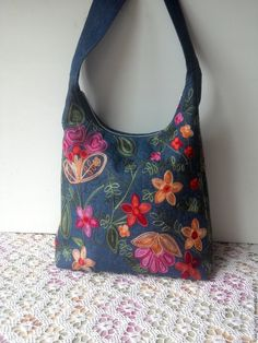Джинсовая сумка с вышивкой ИЮЛЬ, текстильная – купить в интернет-магазине на Ярмарке Мастеров с доставкой