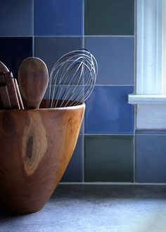 diy: painting kitchen tile -  time consuming, but much cheaper than re-tiling