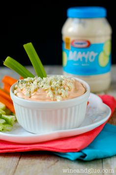 Skinny Buffalo Dip | www.wineandglue.com | A super easy and healthy appetizer!