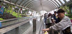 Sube y baja por las escaleras mecánicas de Hong Kong - http://www.absolut-china.com/sube-y-baja-por-las-escaleras-mecanicas-de-hong-kong/