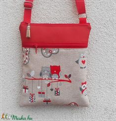 Bagoly mintás tarisznya, oldaltáska - piros (BellestiDesign) - Meska.hu My Works, Pouches, Purses And Bags, Diy, Handmade, Accessories, Do It Yourself, Hand Made, Bricolage