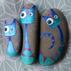 My little blue cat family wishes you a nice weekend! Ma petite famille de chat b… My little blue cat family wishes you a nice weekend! My little blue cat family wishes you a nice weekend! Pebble Painting, Pebble Art, Stone Painting, Diy Painting, Mandala Painting, Stone Crafts, Rock Crafts, Arts And Crafts, Rock Painting Ideas Easy