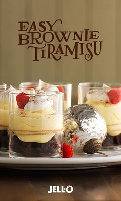 Coffee, raspberries and cream cheese take brownies to an even yummier level in this easy-to-make tiramisu. Get out your JELL-O Vanilla Flavor Instant Pudding, BAKER'S Semi-Sweet Chocolate and COOL WHIP Whipped Topping. With just four steps, Easy Brownie T Mini Desserts, Christmas Desserts, Easy Desserts, Christmas Foods, Jello Recipes, Baking Recipes, Dessert Recipes, Recipies, Dessert Simple