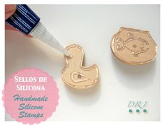 I keep seeing various versions of these silicone stamp tutorials. no se me habría ocurrido Diy Arts And Crafts, Fun Crafts, Crafts For Kids, Paper Crafts, Impression Textile, Clay Stamps, Stamp Carving, Handmade Stamps, Tampons