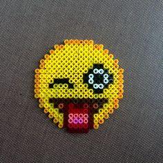 Emoticon - Emoji hama beads by meirhama Perler Beads, Hama Beads Kawaii, Perler Bead Art, Fuse Beads, Pixel Art, Art Perle, Hama Beads Design, Pearler Bead Patterns, Pixel Pattern