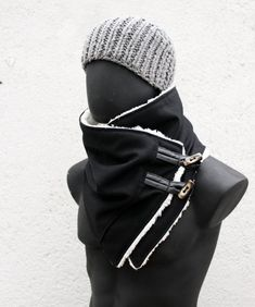 Men and women cowl. Black wool and faux lambskin, toggle buttons. Husband gift for her, him Gifts For Your Boyfriend, Gifts For Husband, Gifts For Her, Boyfriend Presents, Unisex, Estilo Rock, Cowl Scarf, Men Scarf, Hooded Scarf