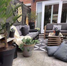 Terras idee Outdoor Furniture Sets, Outdoor Decor, Patio, Interior Design, Home Decor, Nest Design, Decoration Home, Home Interior Design, Room Decor