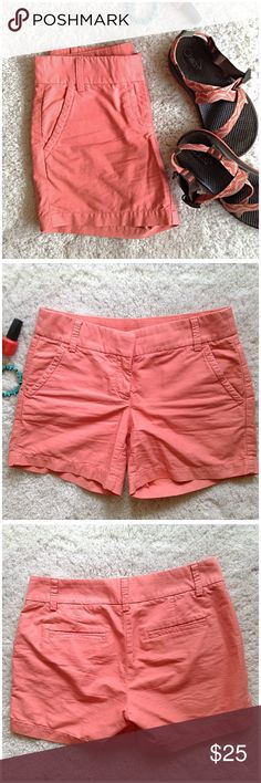 J.Crew Classic Peach Cotton Shorts J.Cew Classic Peach Cotton Short. Used, Great Condition. No holes, No rips, No stains. Waist is 32 inches. Front rise is 8.5 inches. Length is 13.5 inches. Shorts are 100% cotton. Feel free to ask questions. 🚫NO TRADES🚫 J. Crew Shorts