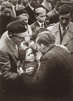 A German child meets her father, a former WW2 soldier who was interned in a Soviet Gulag, for the first time, 1956