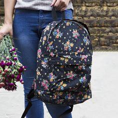 https://www.sassandbelle.co.uk/Vintage Floral Backpack in Black