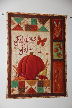 I like this Quilted wall hanging/banner to welcome Fall to my home. Halloween Quilts, Fall Halloween, Quilted Wall Hangings, Wall Hanging Quilts, Applique Wall Hanging, Hanging Banner, Nancy Zieman, Quilting Projects, Quilting Ideas