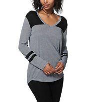 Zine Tila Black & Charcoal Long Sleeve V-Neck T-Shirt