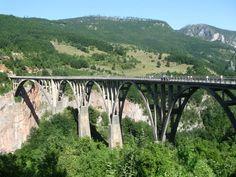 The Bridge over Tara River Canyon, Durmitor National Park, Monténégro