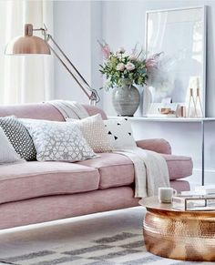 Sillones rosa cuarzo + detalles dorados o cobre