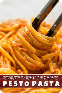 healthy dinner recipes videos This Roasted Red Pepper Pesto Pasta is bursting with flavour and goes down in just Veggie Recipes, Chicken Recipes, Dinner Recipes, Healthy Recipes, Vegetarian Recipes Videos, Easy Steak Recipes, Dinner Menu, Shrimp Recipes, Salmon Recipes