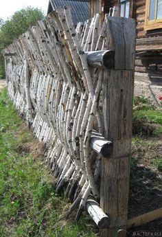 Как сделать плетень. ДЕЛАЕМ САМИ Backyard Privacy, Backyard Fences, Backyard Landscaping, Diy Garden Fence, Fence Design, Ranch Style, Bushcraft, Outdoor Gardens, Modern Design