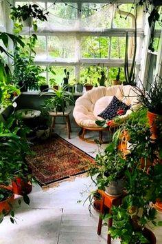 Apartment garden indoor sunrooms Ideas for 2019 Wohnung Apartmentgarden – … Home Vegetable Garden, Home And Garden, Vegetable Ideas, Dream Garden, Indoor Sunrooms, Small Space Gardening, Indoor Gardening, Gardening Tips, Indoor Plants