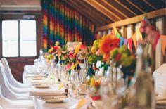 Decoração de casamento colorida | http://www.blogdocasamento.com.br/cerimonia-festa-casamento/decoracao-festa-igreja/decoracao-de-casamento-colorida/