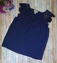 Ann Taylor LOFT Navy Blue Sleeveless Top Shirt Blouse Pleated Neckline Size S