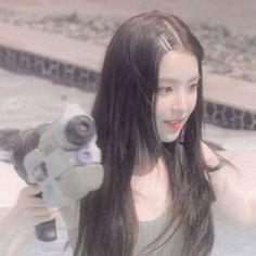 Seulgi, Peek A Boo, Red Velvet Irene, Beautiful Inside And Out, Red Queen, Girl Bands, Aesthetic Girl, Krystal, Kpop Girls