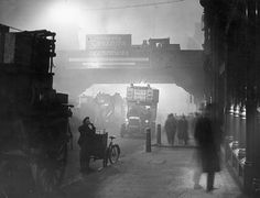 November 1922: Fog at Ludgate Circus. London was often hidden under noxious fog called 'smog' from the first half of the 1800s onwards