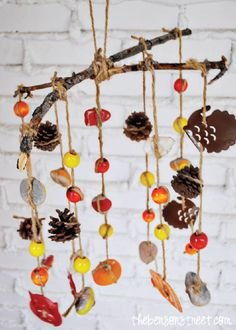 Give your home the perfect rustic vibe with this simple kids' craft made out of nature items found in your backyard. This is not only uniquely beautiful home decor, but also such a fun art project you can do with the kiddos.